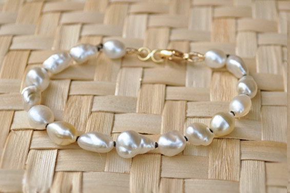 Bracelet with natural pearls/keshis
