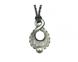 Nacre and pearl pendant