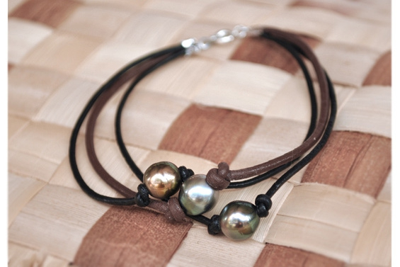 3 pearls leather bracelet