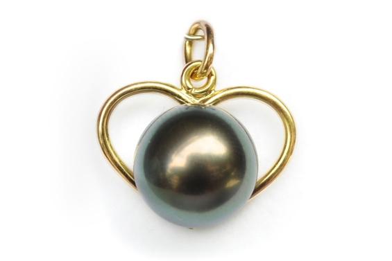 """""""Heremoana"""" Tahitian pearl pendant"""