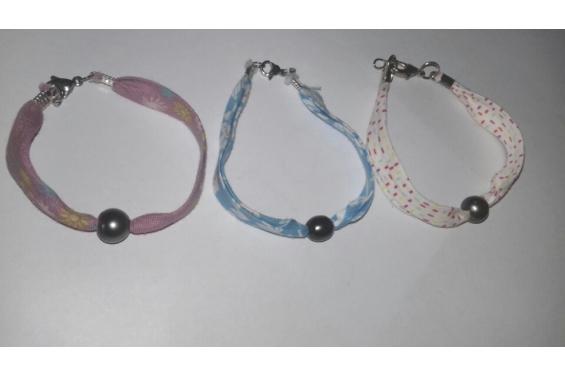 Bracelet de tissu et perle de Tahiti