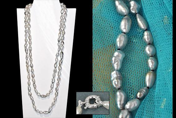 Sautoir de perles naturelles/keshis