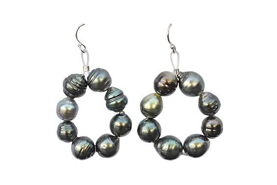 """Maiana"" earrings with Tahitian pearls"