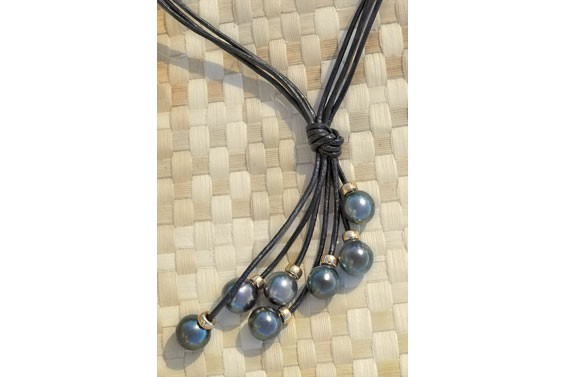 """Gauguin"" black pearls Necklace"