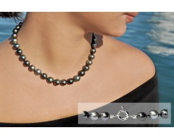 """Ibis"" black pearl Necklace"