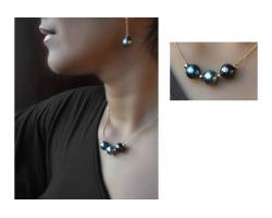 """""""Tea"""" Necklace with 3 black pearls"""