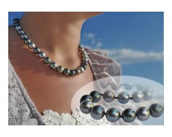 """A ravir"" black pearls Necklace"