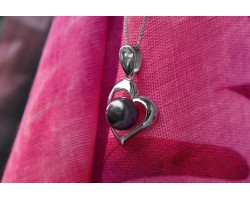 Tahitian pearl on a silver heart pendant